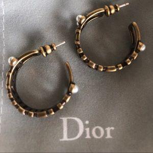 NWOT Dior Hoop Pearl Earrings